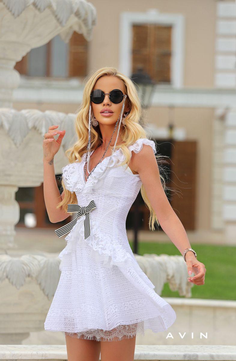 бяла рокля avin за кръщене