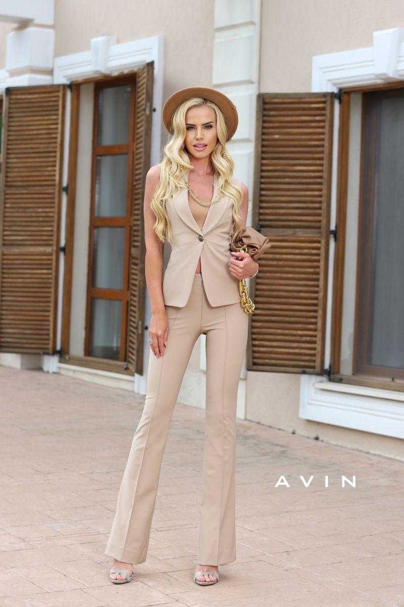 костюм елек и панталон в бежово nude camel avin