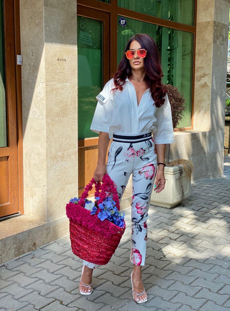 бизнес панталон в бяло с цветя avin