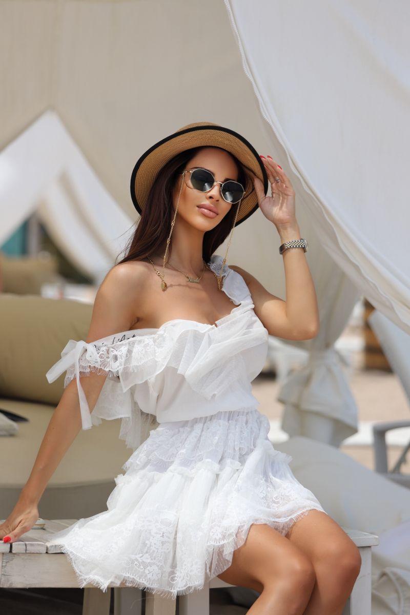 бяла рокля avin boutique