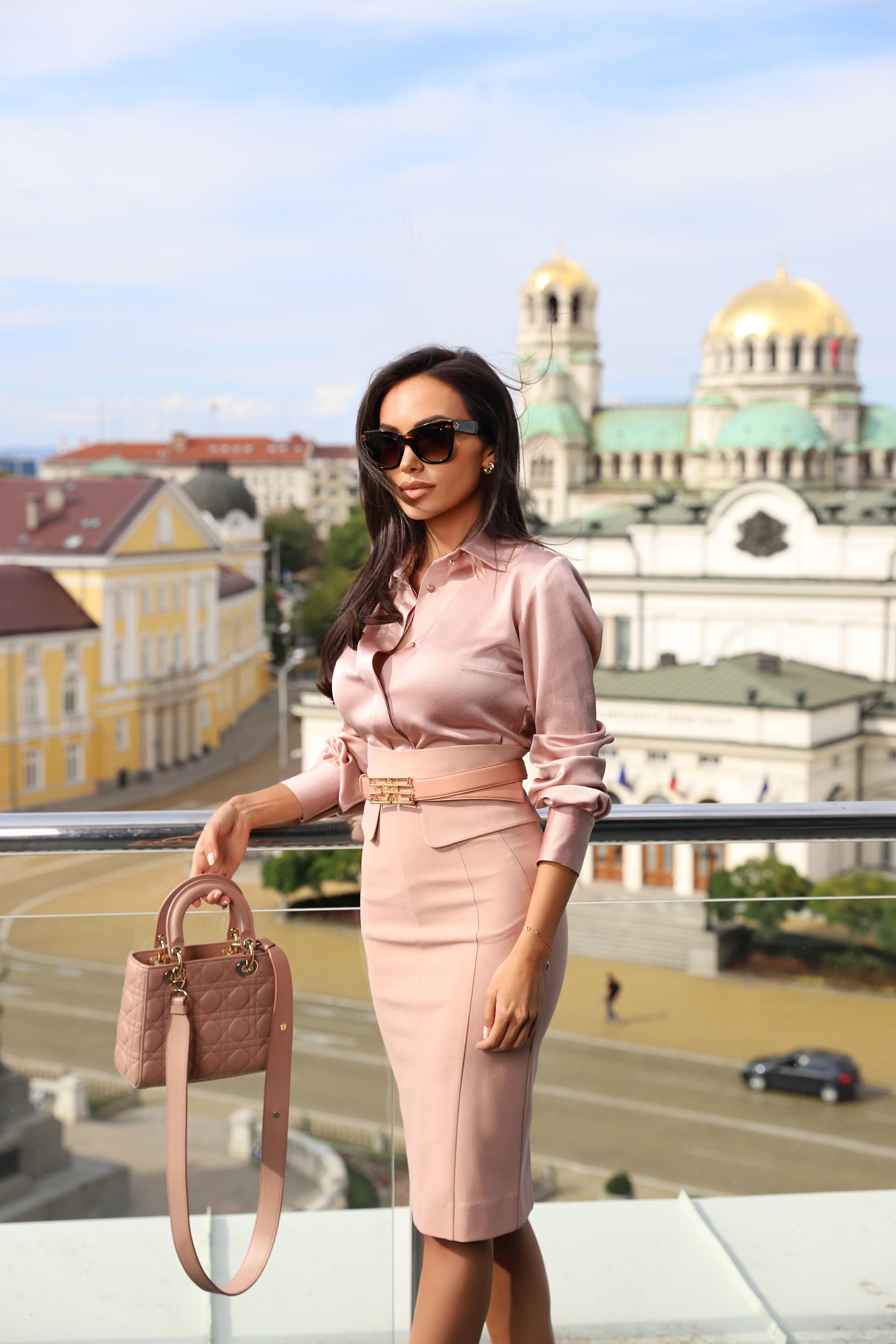 бизнес пола Lora Georgieva Avin
