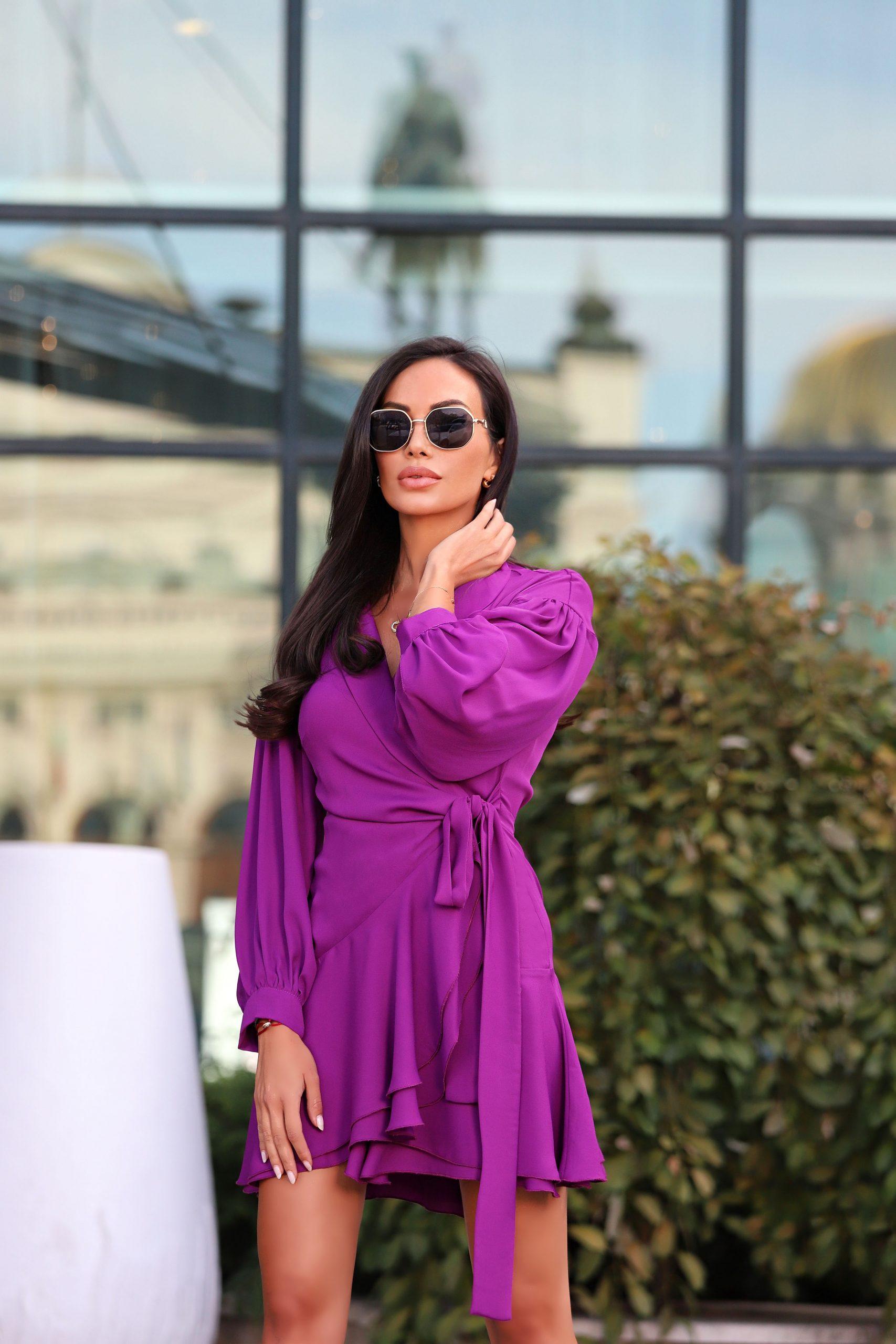 лилава рокля avin
