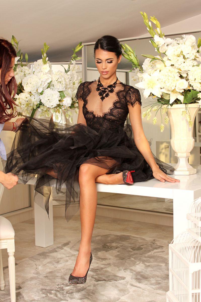 бутикова черна дизайнерска рокля avin