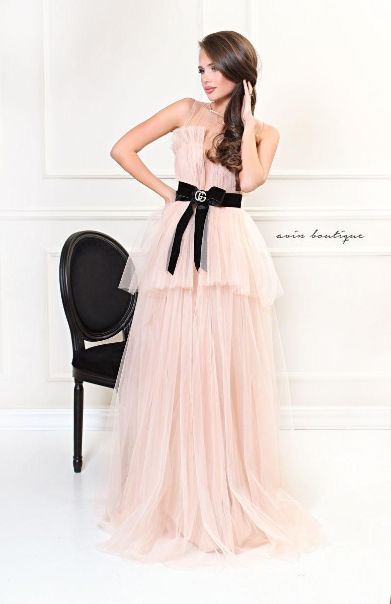 бална рокля екрю