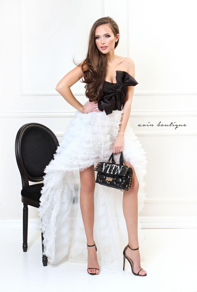 бутикова рокля avin