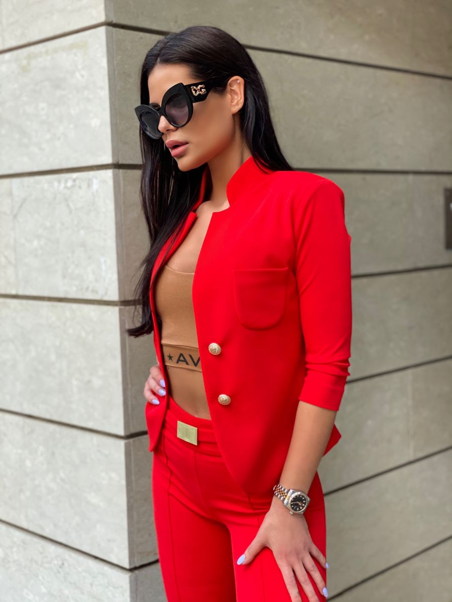 червено сако avin
