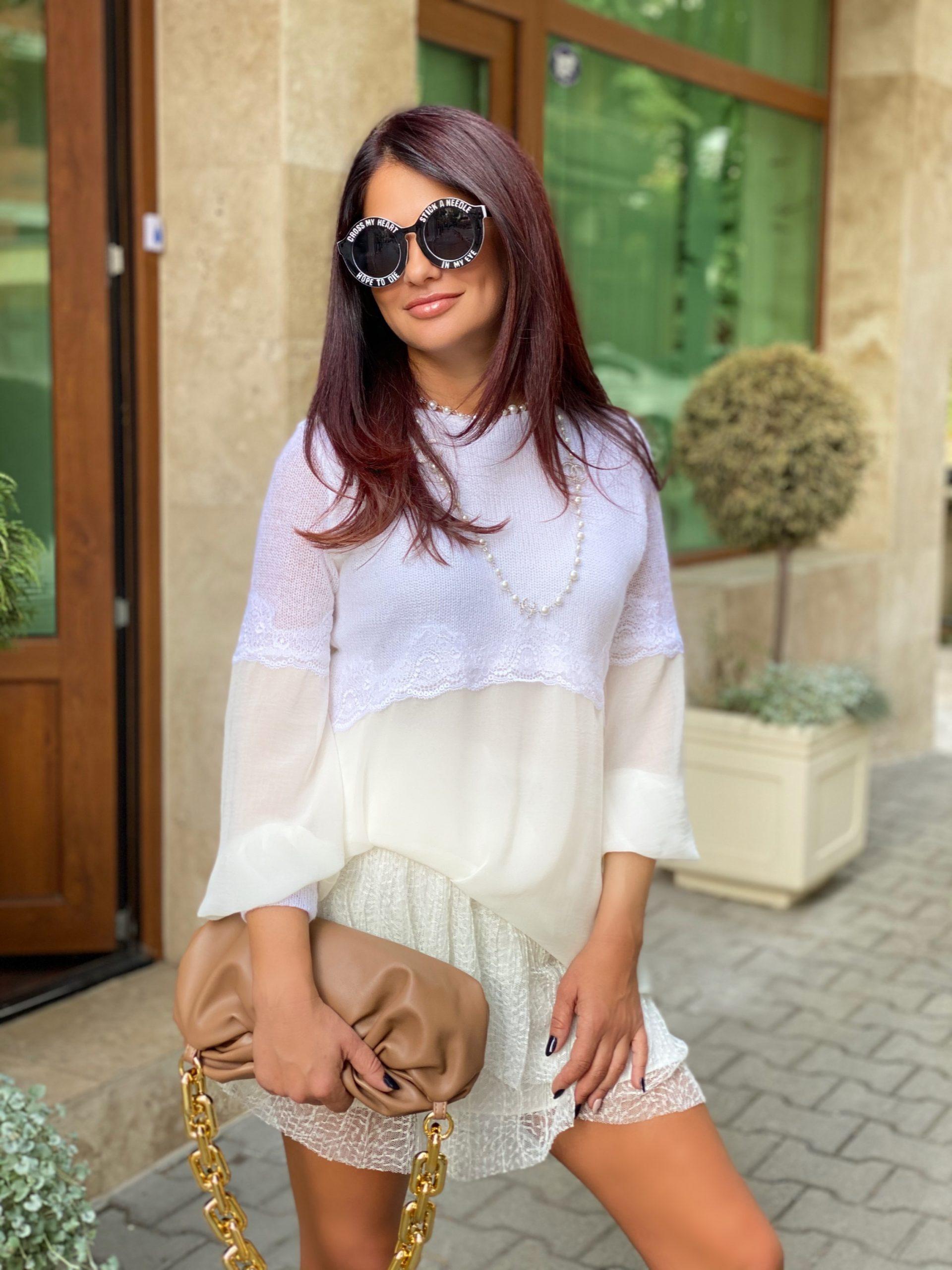 бял пуловер avin